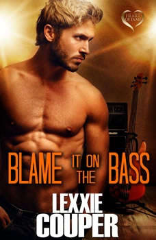 Blame it on the Bass, Lexxie Couper
